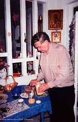 Иосиф в своей квартире