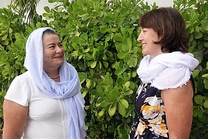 Старшая сестра Зита Гуревич (слева) и казначей Галина Хохлова